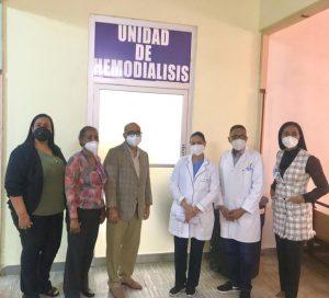 El director del Hospital Rafael Mañón reciben comisión del Servicio Nacional de Salud y del Servicio Regional de Salud Valdesia