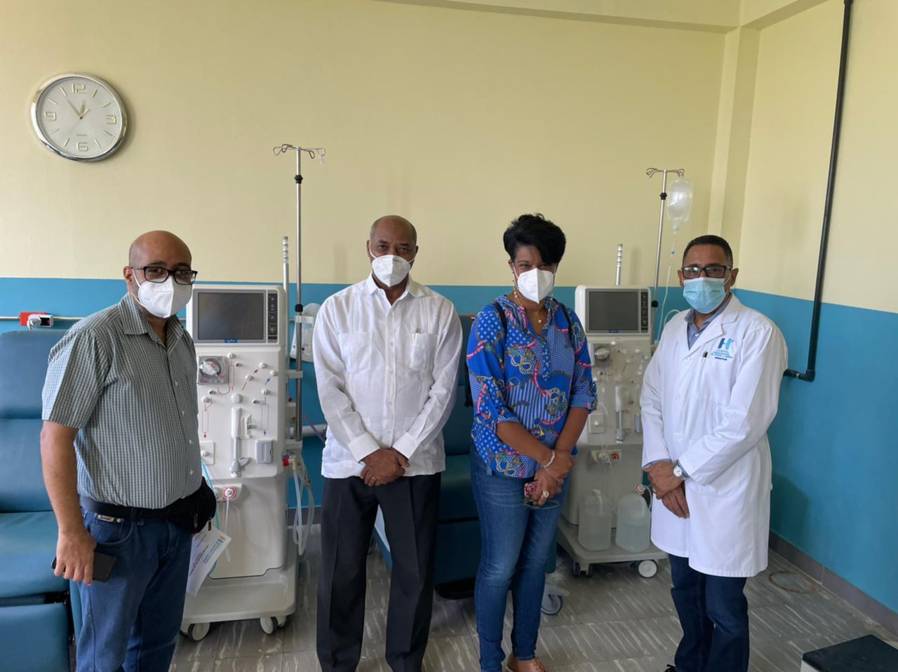 El Hospital Provincial Dr. Rafael J. Mañón inicia la jornada de vacunación en la fase 1C
